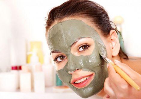 Глиняна маска для обличчя