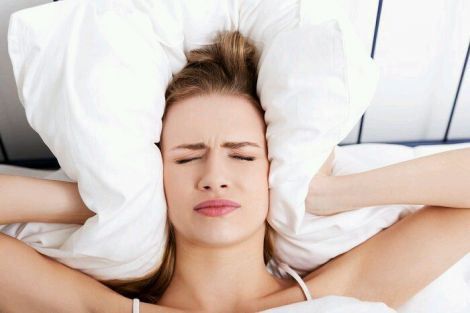 Безсоння - одна з ознак гормонального дисбалансу