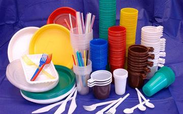 Пластик хочуть заборонити