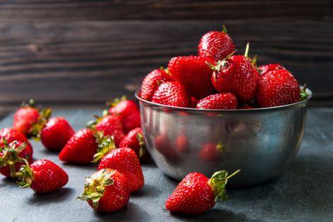 Користь полуниці та огірків