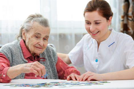 Самотність підвищує ризик виникнення деменції