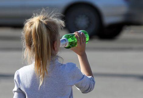 Алкоголь шкодить дітям