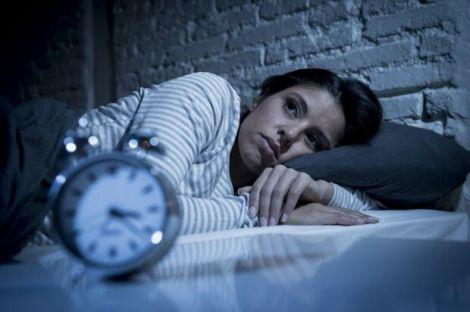 Лікування безсоння народними засобами
