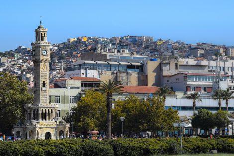 Почему этим летом надо поехать в Измир?