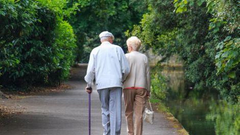 Вчені з США визначили три етапи старіння людини