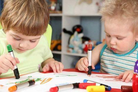 Шкода олівців і фломастерів для дітей