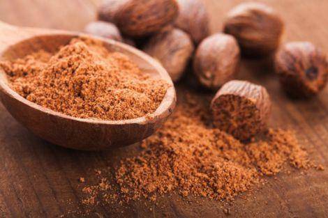 Користь олії мускатного горіха