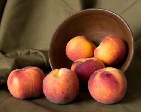 Якщо у вас порушений обмін речовин або анемія, персики просто необхідні у вашому раціоні.