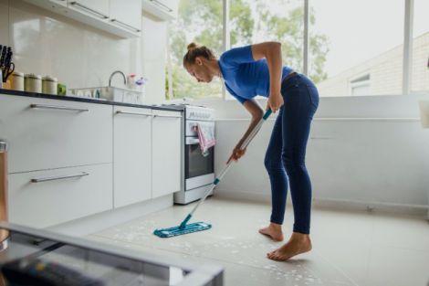 Як прибирати вдома у період поширення коронавірусу?