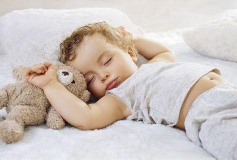Нестача сну в дитинстві провокує ожиріння