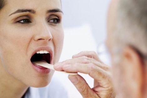Чому виникає сухість у роті?
