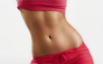 плаского живота можна добитись за допомогою регулярних вправ