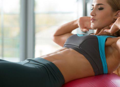 5 простих вправ від обвислого живота