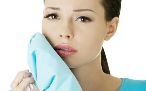 Ефективні способи, щоб зупинити зубний  біль