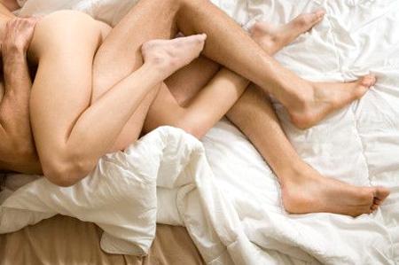 Чому зранку краще займатись коханням?