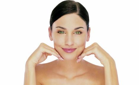 Лід в косметології - дешевий засіб для проблемної шкіри