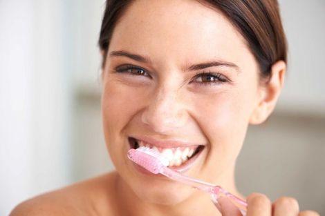 Поширені міфи про догляд за зубами