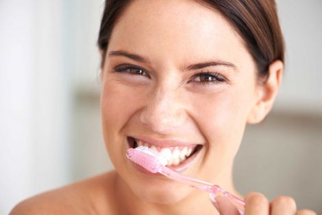 Как лечат клиновидный дефект зубов?