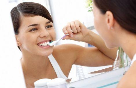 Зубна щітка очистить зуби за 10 секунд