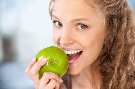 Раціон для міцних та здорових зубів