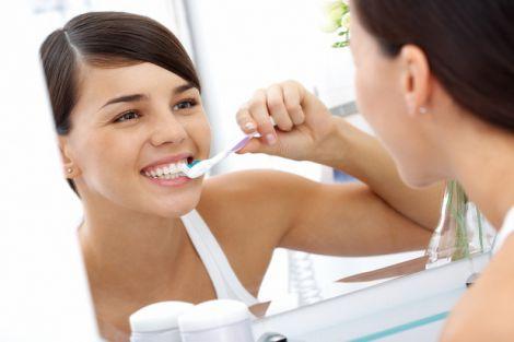Уход за зубами во взрослом возрасте