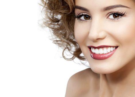 Як зберегти здорову посмішку до старості?