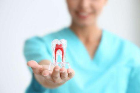 Замінити зубні імпланти може новітня методика