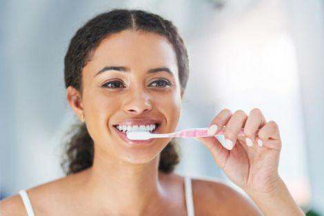 Народні засоби для білосніжних зубів