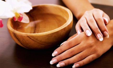 Домашній догляд за нігтями