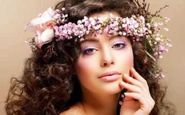 гормональна косметика повинна бути призначена спеціалістом