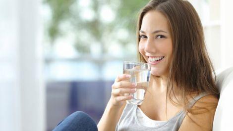 Вода прекрасно очищує організм