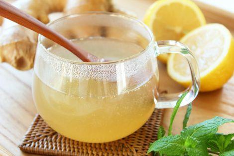 Лікувальні властивості води з медом