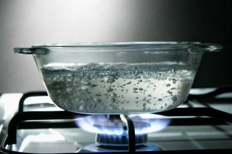 Не варто повторно кип'ятити воду