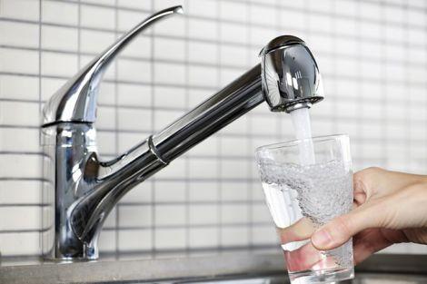 Водопровідна вода забруднена мікропластиком