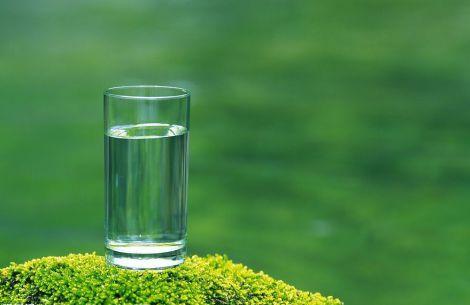 В яких ситуаціях треба випити склянку води?