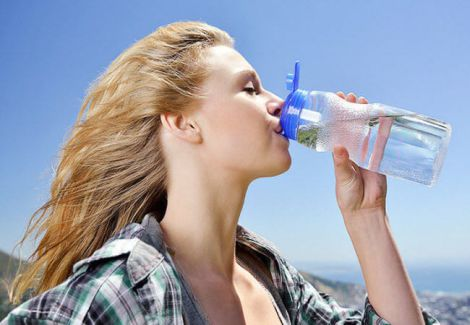 Лікар розповів, як правильно пити воду (ВІДЕО)