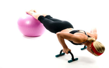 Фітбол підвищує ефективність тренувань, завдяки своїй нестабільній поверхні