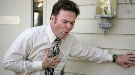 Чоловіки більше схильні до інфарктів у ранньому віці