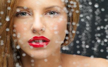 Правильно підібраний догляд для чутливої шкіри зменшує сухість, шорсткість і зморшки