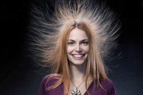 Синтетичні головні убори можуть викликати статику на волоссі
