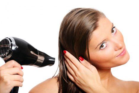 Волосся надто швидко жирніє через звички