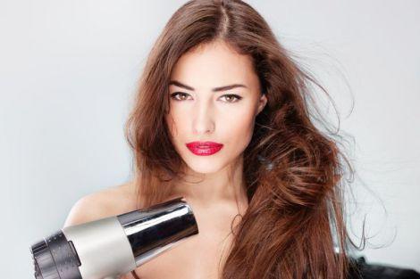 Проблеми з волоссям розкажуть ро порушення в організмі