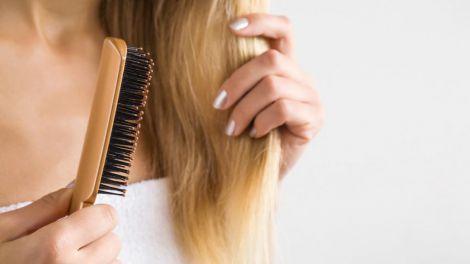 Чому потрібно мити гребінець для волосся?