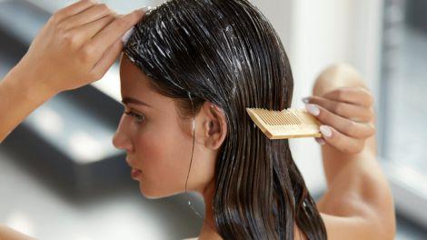 Поради, які допоможуть зупинити старіння волосся