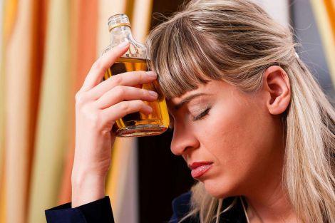 Незвична причина жіночого алкоголізму