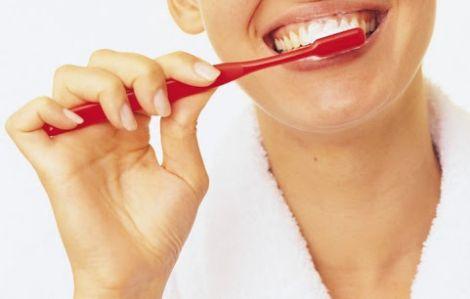 Чистіть зуби регулярно