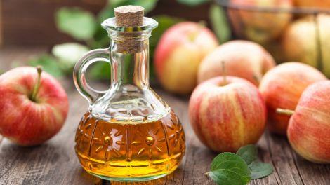 Стало відомо, для кого яблучний оцет небезпечний