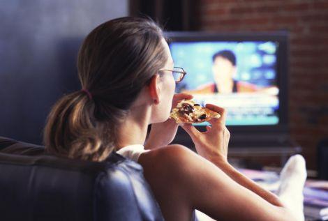 Їжа перед телевізором шкодить здоров'ю