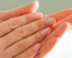 Стан нігтів визнали сигналом смертельної хвороби печінки