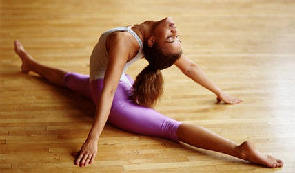 Виконуйте регулярно вправи на розтяжку